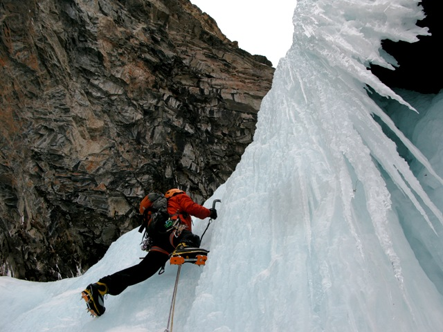 Ice climbing is a fascinating activity in an exciting environment.